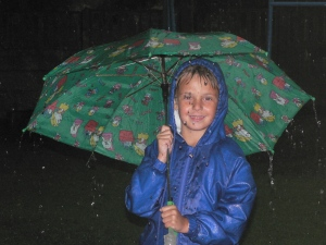 Wow, the rain makes my son younger...